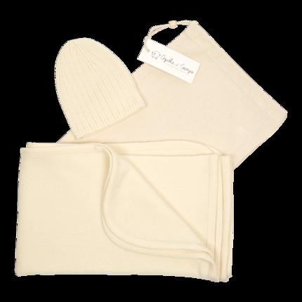 cadeau de naissance-vêtement de bebe-bonnet-couverture en laine merinos-ecru-douce-chaude-maternite.png