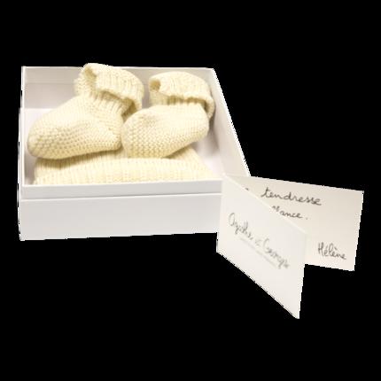 vetement de bébé-layette-chaussons-bonnet-en laine mérinos d\'Arles-cadeau de naissance