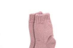 vetement de bebe-chaussettes-en laine merinos-roses-naissance-maternite-douce-chaude