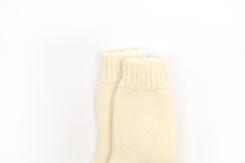 vetement de bebe-chaussette-en laine merinos-ecrues-naissance-maternite-chaudes