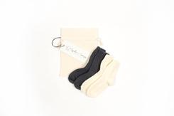 vetement de bebe-chaussettes-en laine merinos-ecrues-grises-naissance--douce-maternite