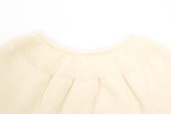 vêtement de bebe-layette-brassiere en laine merinos-écrue-douce-naturel