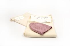 cadeau de naissance-vetement de bebe-bonnet-couverture-en laine merinos-ecru-rose-maternite-douce-chaude