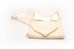 cadeau de naissance-vetement de bebe-bonnet-couverture-chaude-en laine merinos-ecru-douce-maternite