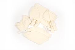 trousseau de naissance-layette-en laine merinos-brassiere-bonnet-chaussons-pantalon-couverture-chaussettes-naturel-maternité
